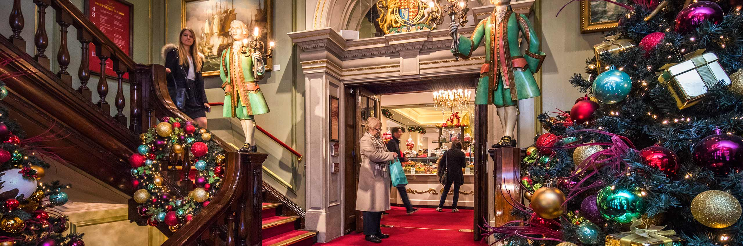 BVH-20643832 | UK/London, Fortnum & Mason Department Store in Picadilly Street in December | © Reinhard Schmid/4Corners