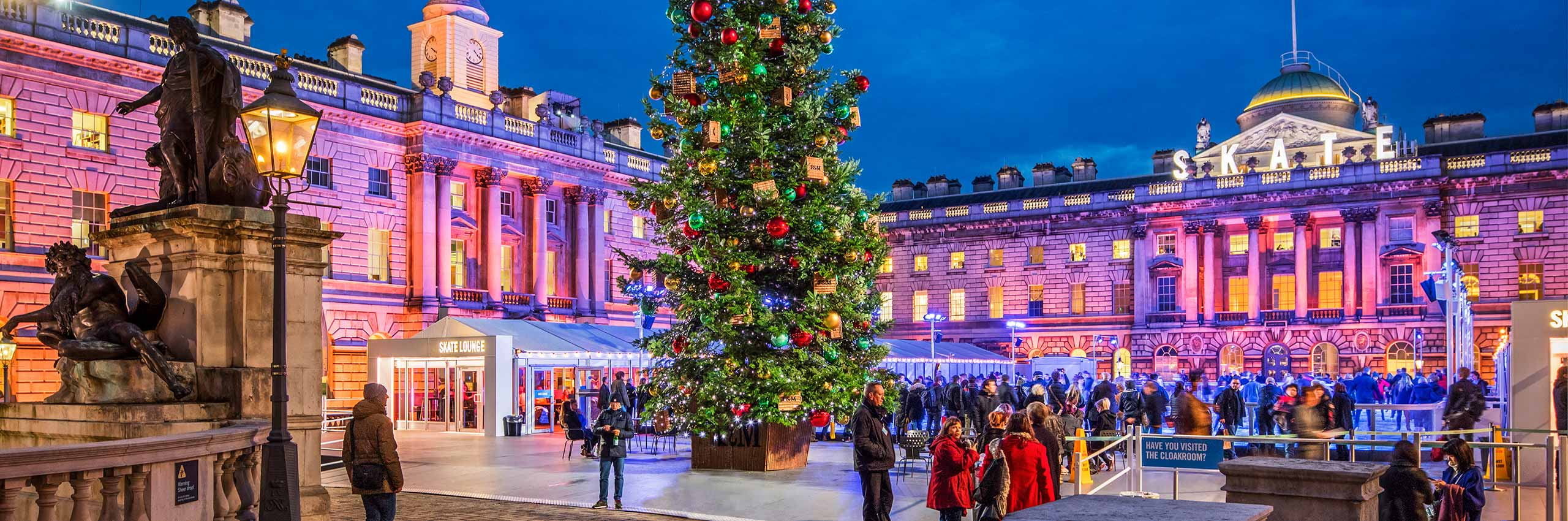 BVH-20643885 | UK/London, Ice Rink in the Courtyard of Somerset House on The Strand in December | © Reinhard Schmid/4Corners