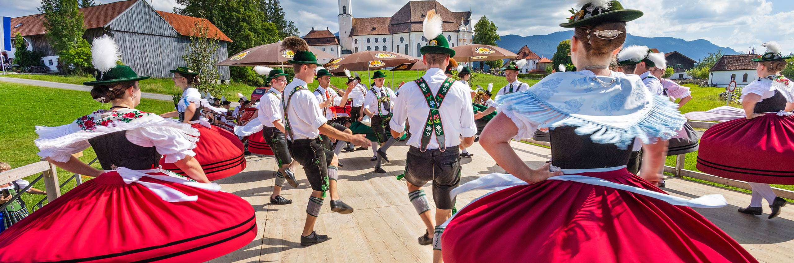 BVH-22029669 | GER/Bavaria, Pilgrimage Church of Wies near Steingaden, Festival of Traditional Costumes | © Reinhard Schmid/4Corners